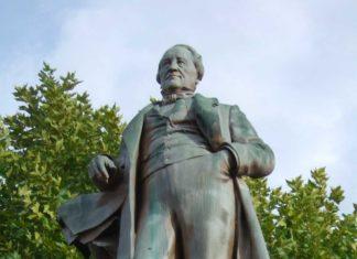 Statue Cabrol à Decazeville